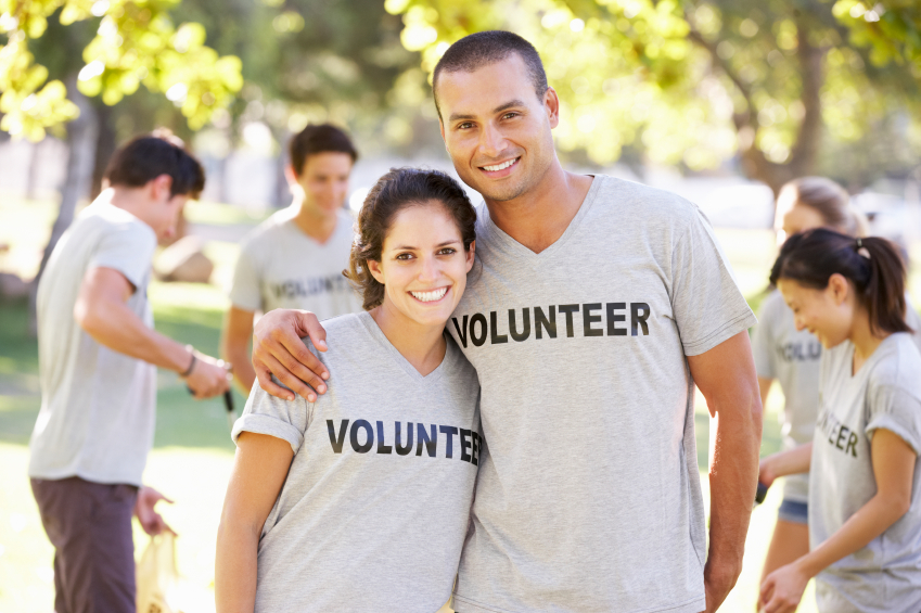 5 Reasons Why You Should Volunteer as a Couple